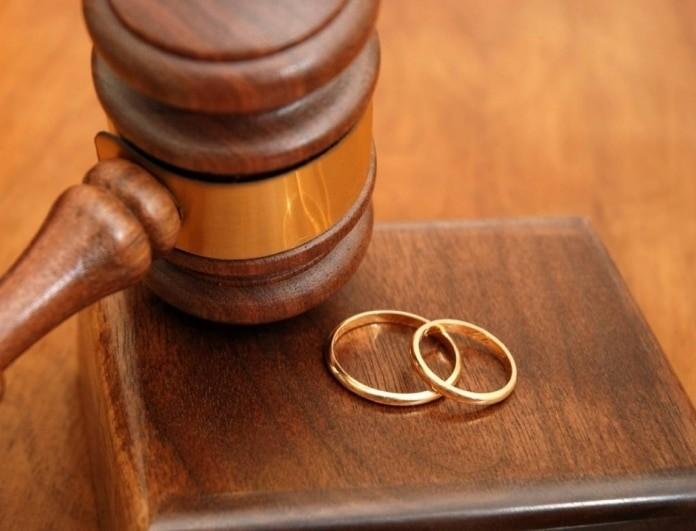 Μπέζος: Βγήκε το διαζύγιο με τη σύζυγό του!
