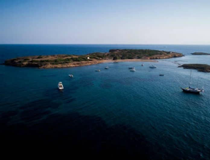 Αποκάλυψη! Όλη η αλήθεια για το ιδιωτικό νησί που βρίσκεται απέναντι από τον Αστέρα Βουλιαγμένης!