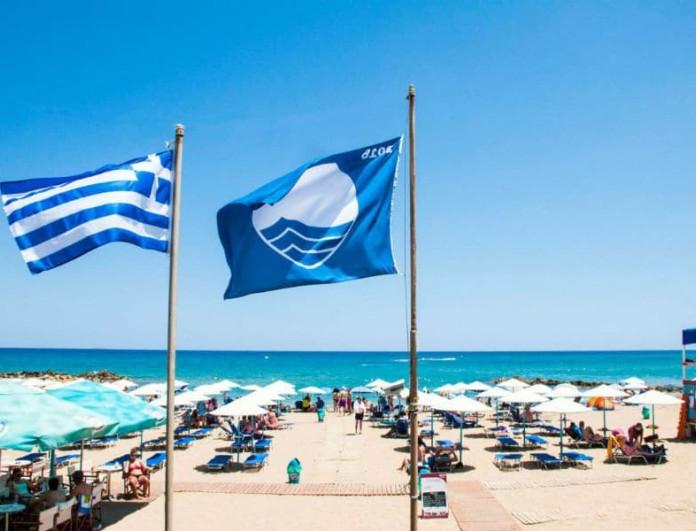 Έσκασε τώρα! Αποσύρθηκαν οι Γαλάζιες σημαίες από 17 παραλίες!