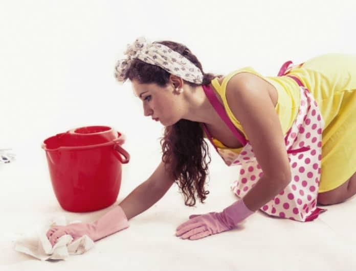 Γυναίκες προσοχή: Αυτοί είναι οι τρόποι για να καθαρίσετε τους λεκέδες από σπέρμα!