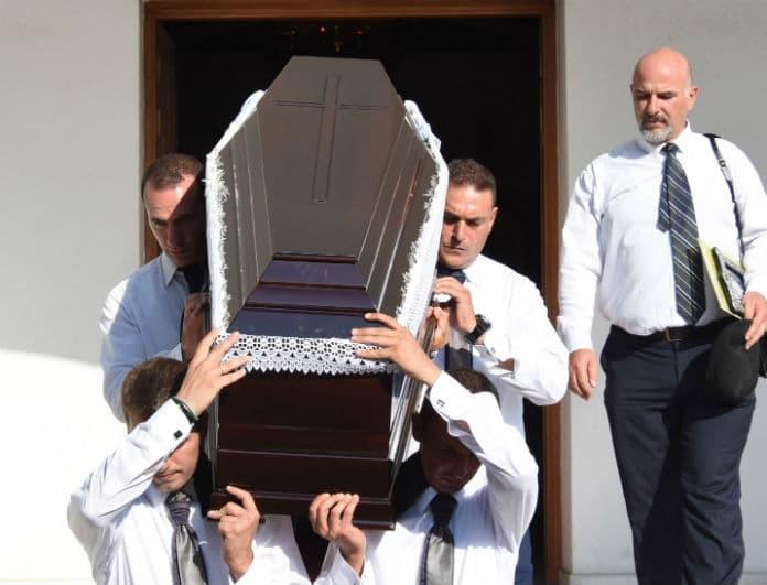 Δημήτρης Λυμπερόπουλος: Ράγισαν καρδιές στην κηδεία του! Τραγικές φιγούρες τα κοντινά του πρόσωπα...
