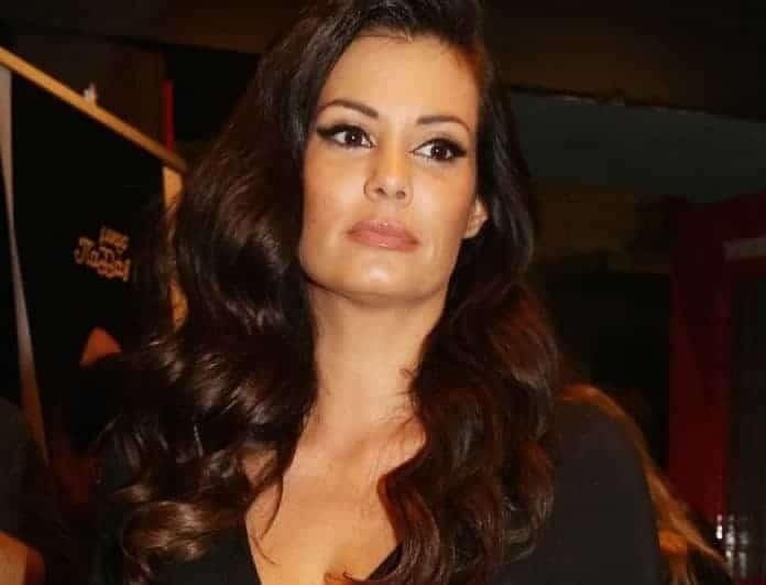 Μαρία Κορινθίου: Απίστευτη αποκάλυψη! «Τραβώντας τη θέα πήγα να σκοτωθώ»!