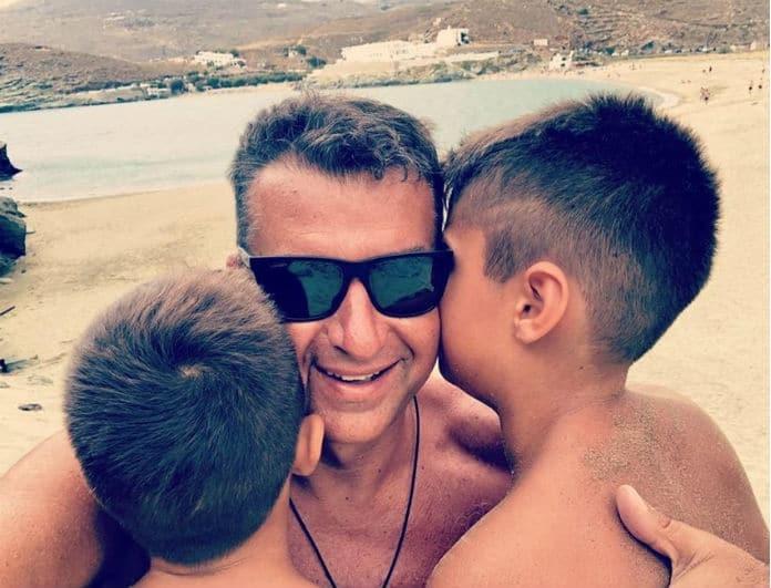 Γιώργος Λιάγκας: Απόδραση με το σκάφος και τους γιους του! (Βίντεο)