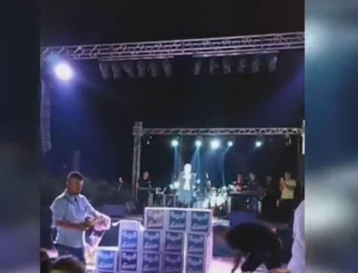 Θέμης Αδαμαντίνης: «Πανικός» με την εμφάνισή του! Βουνό από σαμπάνιες στα πόδια του!