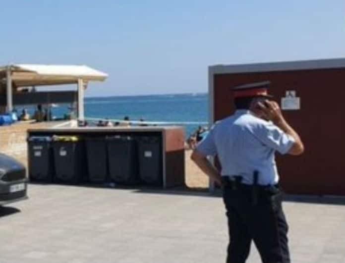 Θρίλερ! Αστυνομία εντόπισε εκρηκτικό μηχανισμό μέσα στη θάλασσα! Εκκενώθηκε παραλία! (Βίντεο)