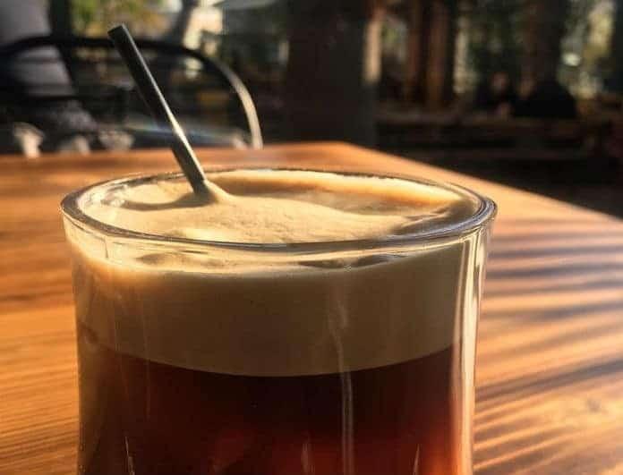 Αν πίνεις τον καφέ σου έτσι...είσαι ψυχοπαθής!