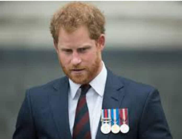 Πένθος στο παλάτι! Καταρρακωμένος ο πρίγκιπας Χάρι...