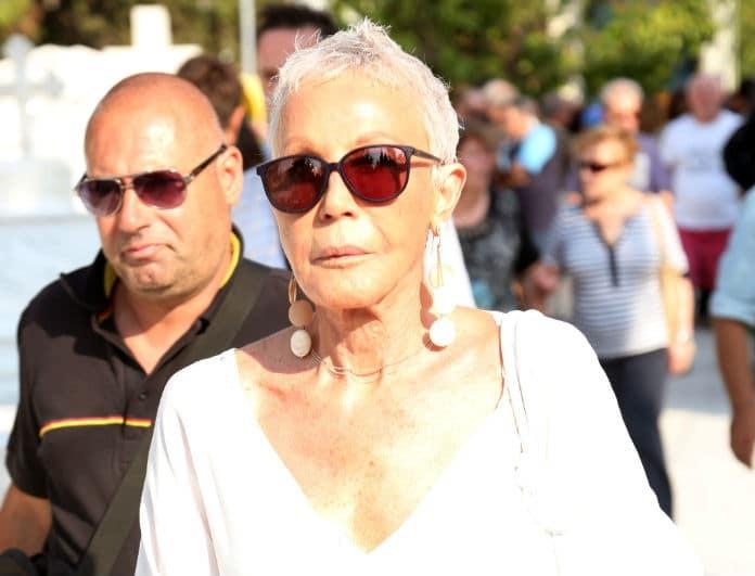 Ζωή Λάσκαρη: Αυτός είναι ο λόγος που φορούσε πάντα λευκά! Ακόμα και σε κηδείες...