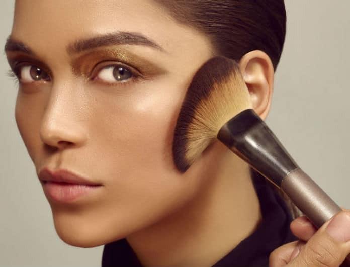 Δεν σου «στρώνει» το make up; Ακολούθησε αυτά τα βήματα για τέλεια κάλυψη με διάρκεια!