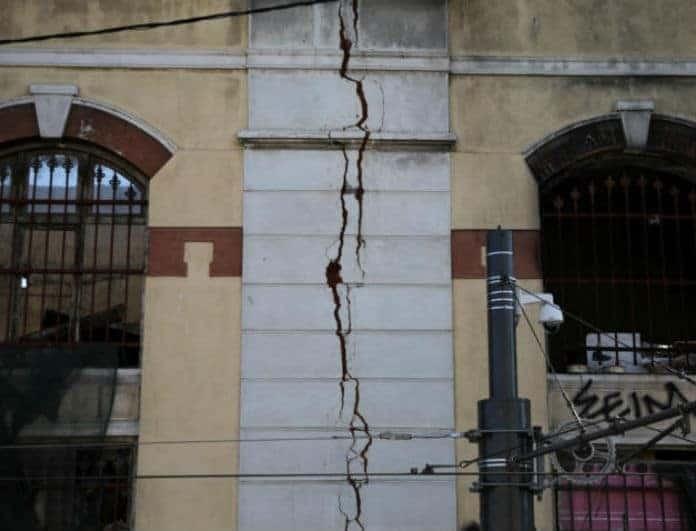 Σεισμός στην Αθήνα: Αυτό είναι το κτήριο στο κέντρο της πόλης που κατεδαφίζεται!