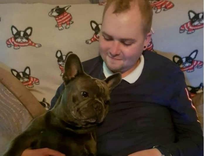 Συγκινητική ιστορία! Σκύλος πέθανε 15 λεπτά μετά τον θάνατο του 25χρονου ιδιοκτήτη του!