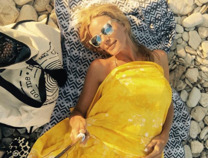 Ζέτα Μακρυπούλια: Έλυσε το μαγιό της και ξάπλωσε κάτω από τον ήλιο! «Σεισμός» από τις φωτογραφίες!