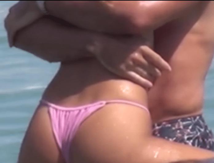 Ασυγκράτητο πασίγνωστο ζευγάρι στην Ψαρρού! Τον «τύλιξε» με τα πόδια της και... (Βίντεο)