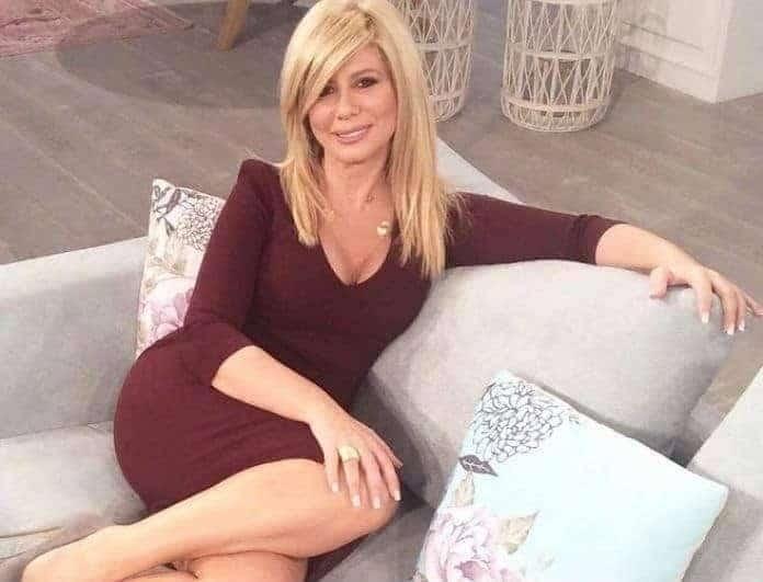 Ζήνα Κουτσελίνη: Αυτό είναι το πραγματικό πρόσωπο της παρουσιάστριας!