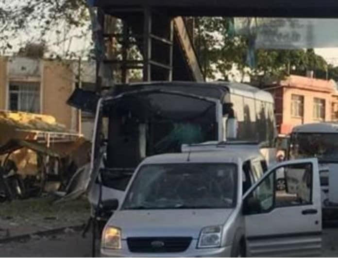 Σοκ! Βομβιστική επίθεση σε λεωφορείο της Αστυνομίας!