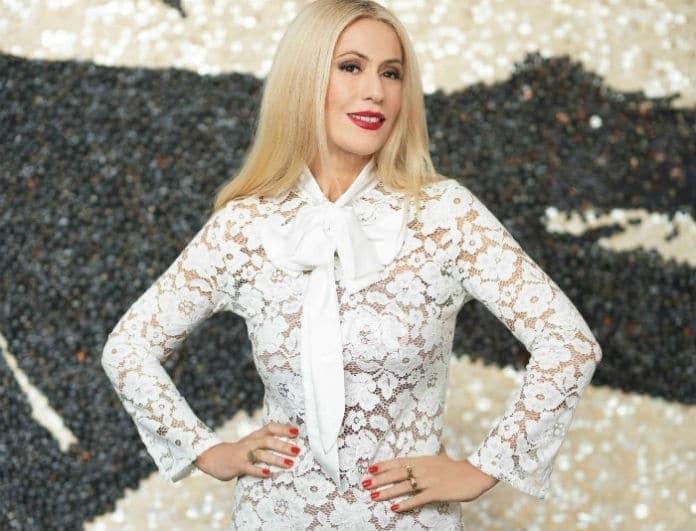 Μαρία Μπακοδήμου: Το φόρεμά της, μοιάζει με κινέζικο! Εσείς θα το φορούσατε;