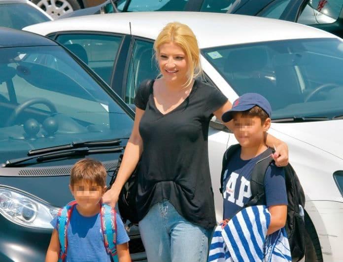 Φαίη Σκορδά: Φωτογραφίες από την βόλτα με τους γιους της! Πιο απλή και όμορφη από ποτέ...