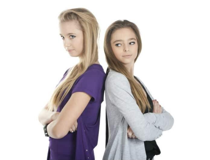 «Η φίλη μου υποφέρει ψυχολογικά. Πώς να την πείσω να πάει σε ειδικό;»! Ο ειδικός του Youweekly σου απαντά!