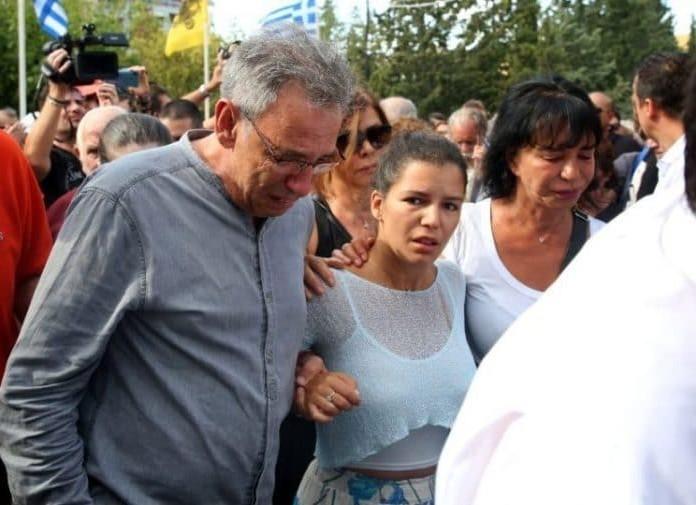 Λαυρέντης Μαχαιρίτσας: Η σύζυγος και η κόρη του πονάνε πάρα πολύ με τον θάνατό του!