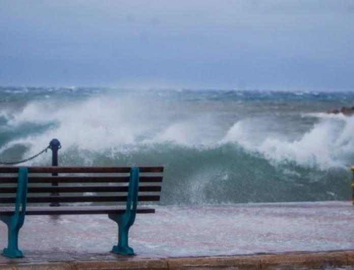 Καιρός: Θυελλώδεις άνεμοι έως 9 μποφόρ σε όλη τη χώρα! Κλείνουν τα λιμάνια!