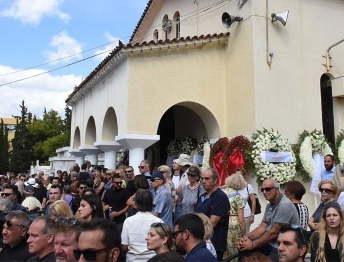 Κηδεία Λαυρέντη Μαχαιρίτσα: Ξέσπασε σε λυγμούς ο Πορτοκάλογλου! Ο συγκλονιστικός επικήδειος!