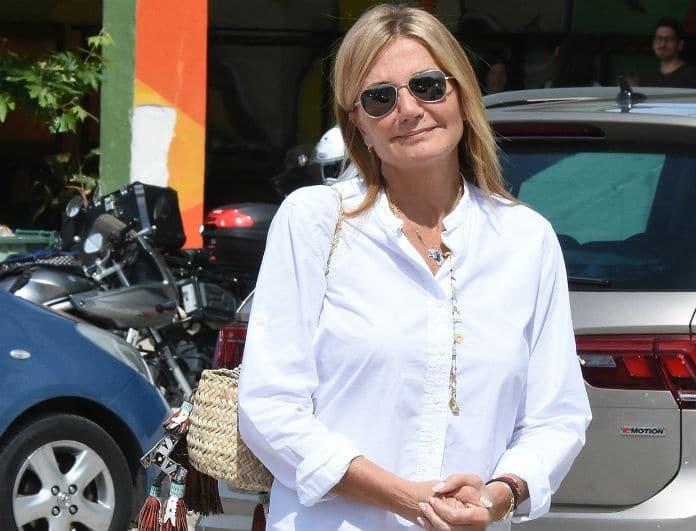Μαρέβα Μητσοτάκη: Φόρεσε το «βαρετό» λευκό πουκάμισο με τον πιο στιλάτο τρόπο! Copy the look και δεν θα χάσεις...