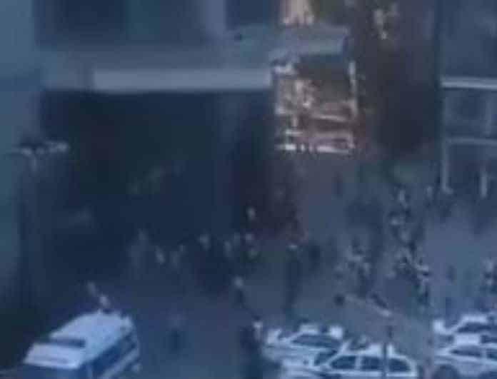 Σπαραγμός και οδύνη! Επτά μαθητές νεκροί από την κατάρρευση αίθουσας στο σχολείο τους!