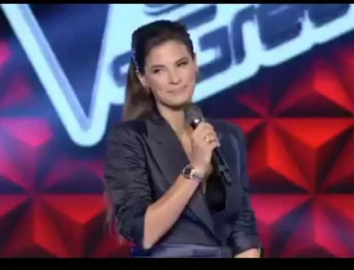 Χριστίνα Μπόμπα: «Έκλεψε» τις εντυπώσεις στο τρέιλερ του Voice! To μαύρο κοστούμι με αέρα ντίβας...