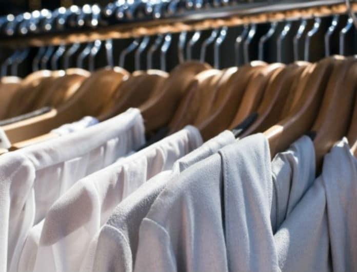 Γλιστράνε τα ρούχα σου από τις κρεμάστρες; Αυτό είναι το κολπάκι για να βάλεις τέλος στο μαρτύριο!