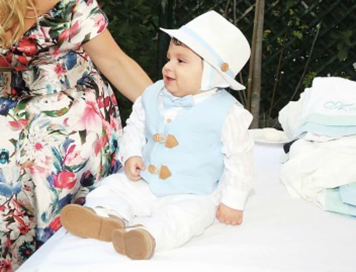 Αγαπημένο ζευγάρι της ελληνικής showbiz βάπτισε τον γιο του! Αποκλειστικές φωτογραφίες...