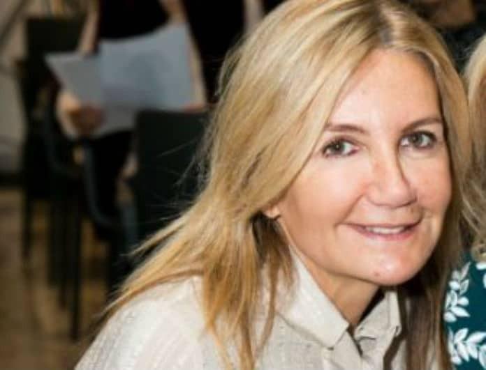 Μαρέβα Μητσοτάκη: Με εμφάνιση που δεν περιμέναμε στην έκθεση του Πρίγκιπα Νικόλαου!