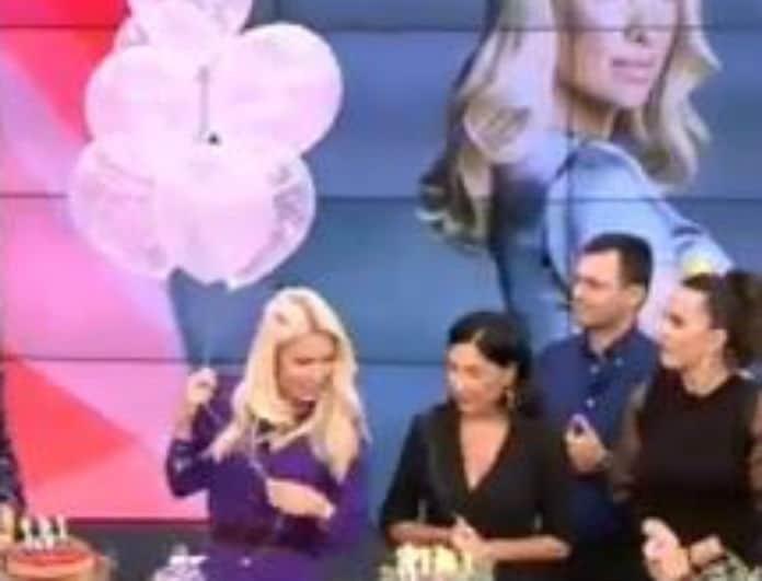 Ελένη: Απίστευτο party στο πλατό για τα γενέθλια της! Ένα τραπέζι γεμάτο τούρτες μόνο για την ίδια!