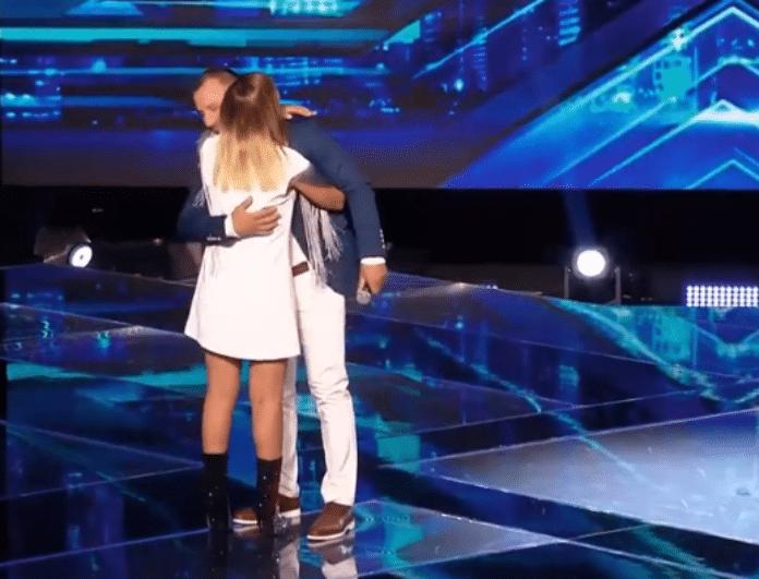 X-Factor: Τα δάκρυα της Μελίνας Ασλανίδου και η τρυφερή αγκαλιά με τον παίκτη! (Βίντεο)