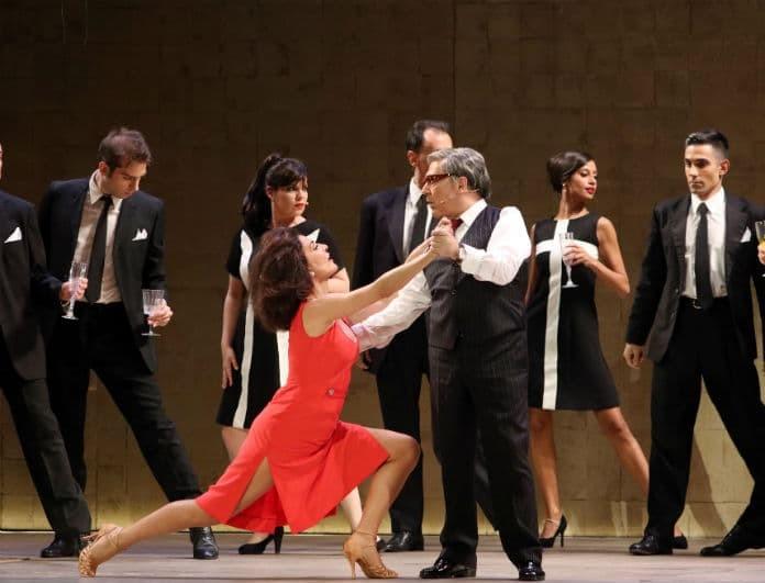 «Ωνάσης: Τα θέλω όλα»: Λαμπερές παρουσίες στην πρεμιέρα της παράστασης στο θέατρο Παλλάς!