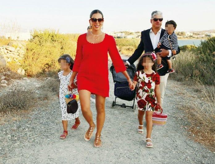 Σταματίνα Τσιμτσιλή: Μυστική βάπτιση για τον γιο της! Φωτογραφίες - ντοκουμέντο!