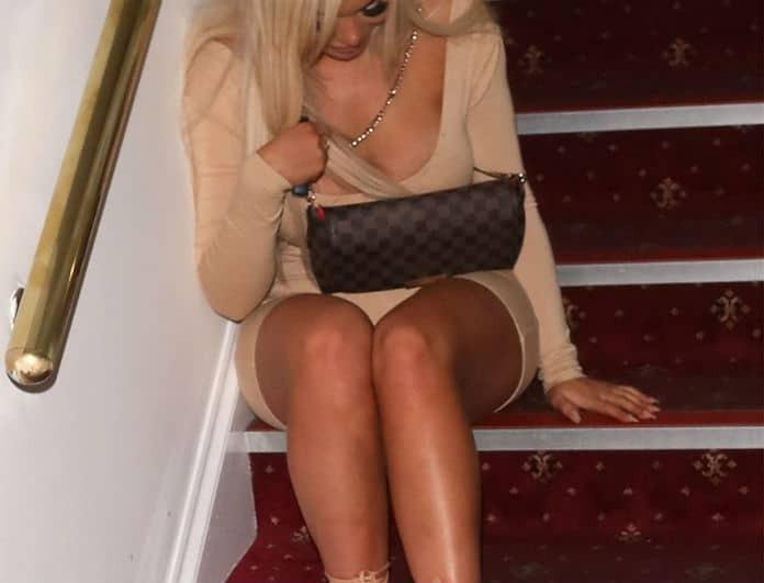 Εικόνες ντροπής: Πασίγνωστη celebrity μέθυσε σε φιλανθρωπικό γκαλά!