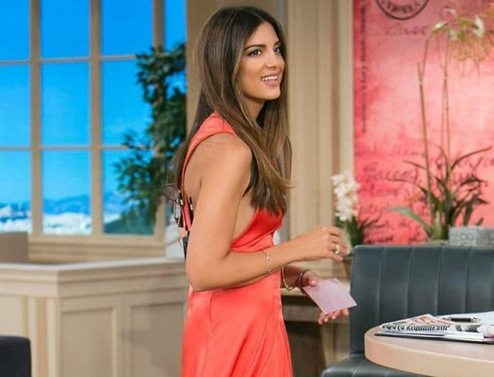 Σταματίνα Τσιμτσιλή: Αυτό είναι το φόρεμα που κοστίζει όσο ένας μισθός! Μαύρο, κολλητό με φερμουάρ...