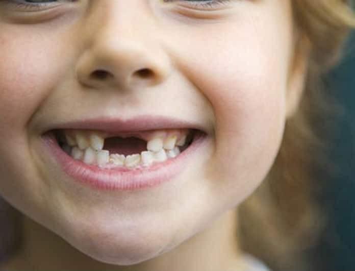 Μεγάλη προσοχή! Από αυτή τη νόσο απειλούνται όσοι έχουν χάσει έστω κι ένα δόντι!