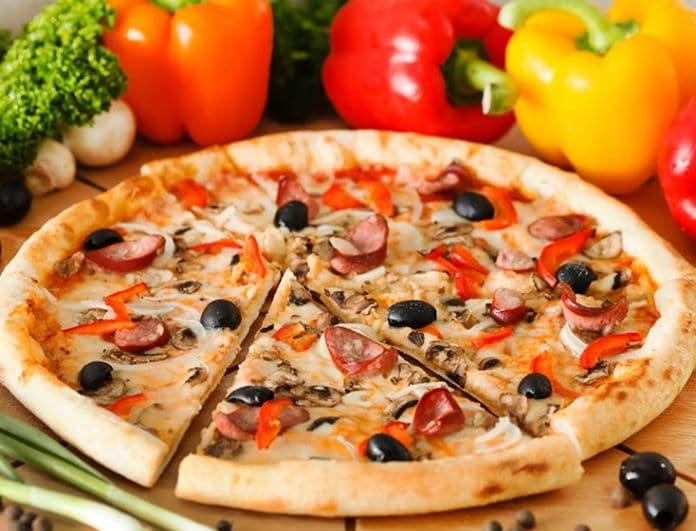 Έχεις ψωμί του τοστ; Να πως θα φτιάξεις την πιο εύκολη πίτσα!