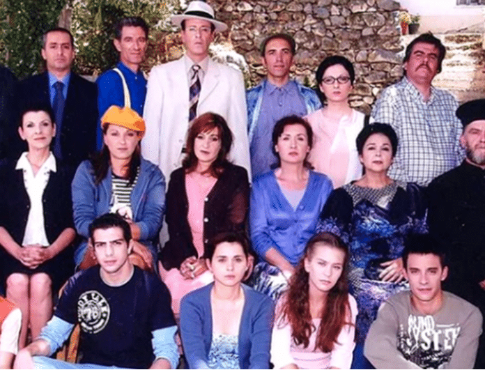 Το Καφέ της Χαράς: Βρέθηκαν όλοι οι ηθοποιοί μαζί μετά από 15 χρόνια!