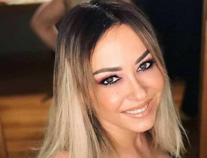 Μελίνα Ασλανίδού: Φόρεσε ρούχα πασίγνωστου Έλληνα τραγουδιστή και βγήκε έξω! Αντέχετε να δείτε;