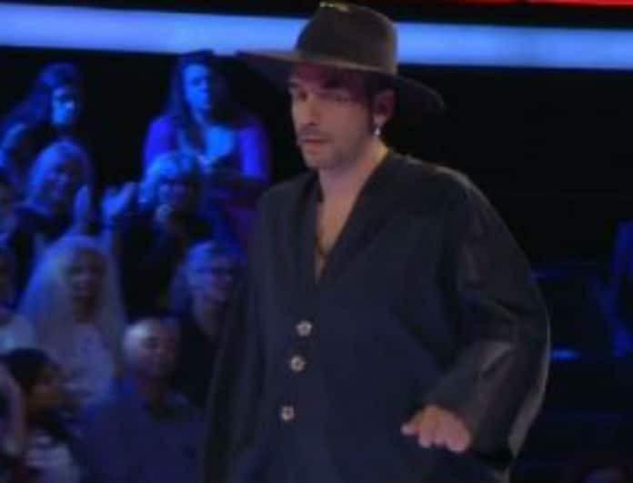 The Voice: Ο Πάνος Μουζουράκης ανέβηκε στην σκηνή και έκανε το... αδιανόητο! (Βίντεο)