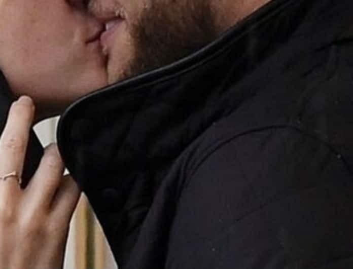 Νέος έρωτας στην showbiz! Δεν σταμάτησαν τα καυτά φιλιά μπροστά στην κάμερα!