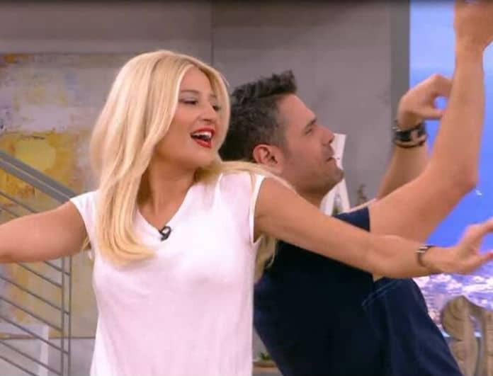 Φαίη Σκορδά: «Χόρεψε» στο ταψί τον ανταγωνισμό! «Απογειώθηκε» το Πρωινό με τον χορό της!
