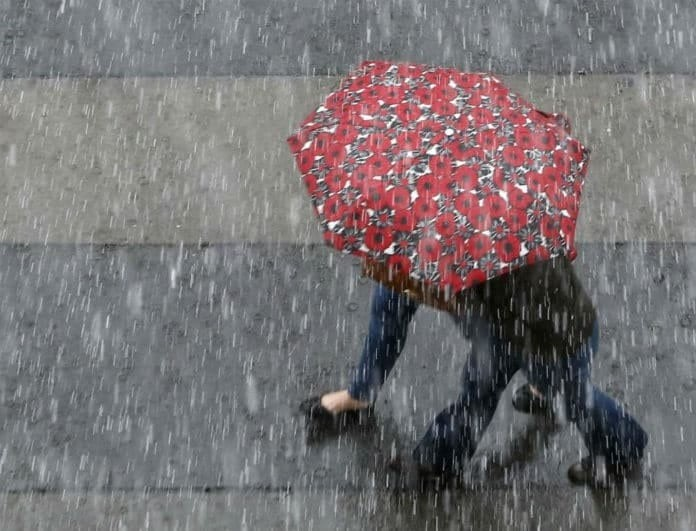 Καιρός σήμερα: Ντυθείτε καλά και ετοιμαστείτε για σφοδρή κακοκαιρία! Που θα «χτυπήσουν» οι ισχυρές καταιγίδες;