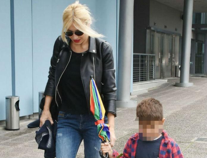 Φαίη Σκορδά: Κρατούσε τον γιο της και όλοι κοίταγαν τα πόδια της! Φορούσε τζιν και...