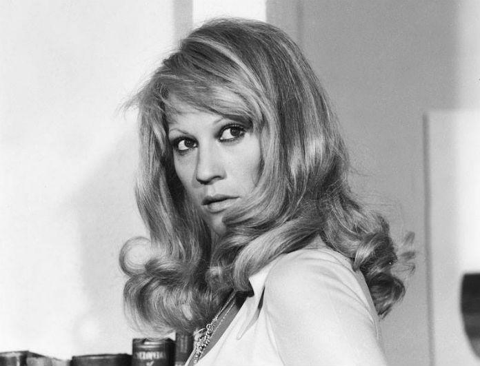 Ζωή Λάσκαρη: Αδιανόητο! Ηθοποιός από το «Καφέ της Χαράς» κρύβει φωτογραφίες της στο καμαρίνι του! Αυτός είναι...