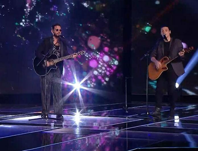 X-Factor: Η ερμηνεία του Χρήστου Μάστορα με τους παίκτες του που ξεσήκωσε το κοινό! (Βίντεο)