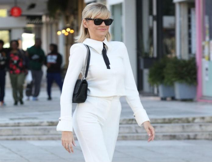 Σάσα Σταμάτη: Περπάτησε στη Γλυφάδα με αέρα μοντέλου! Το λευκό της σύνολο τράβηξε πάνω του όλα τα βλέμματα!