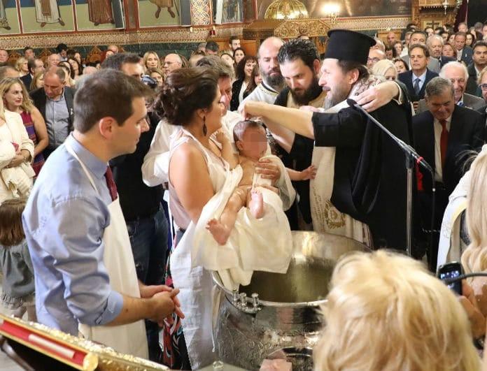 Αλίκη Βουγιουκλάκη: Μεγάλη η συγκίνηση στην βάφτιση της
